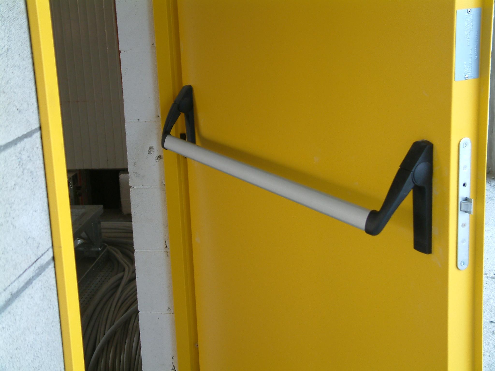 Installazione di porte tagliafuoco vicenza payshop payshop for Porte tagliafuoco