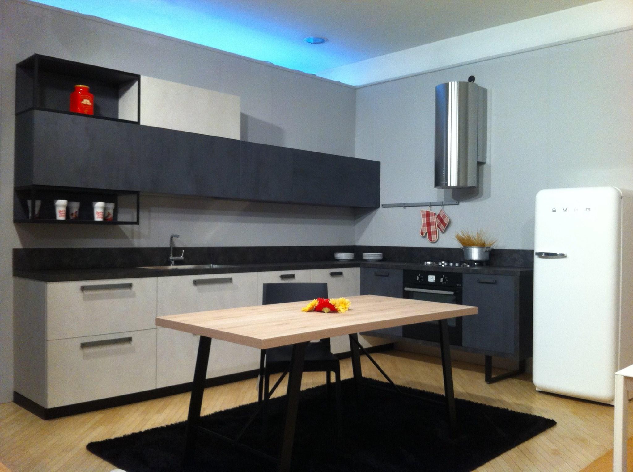 Nuova cucina con design metropolitano schio thiene for Arredamenti vicenza