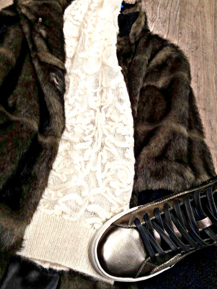 2b3009fd9f9c Vendita abbigliamento firmato da donna – Bologna – MirÒ ...