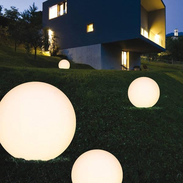 Illuminazione sfera luminosa per esterno outdoor arredo - Idea luce illuminazione ...