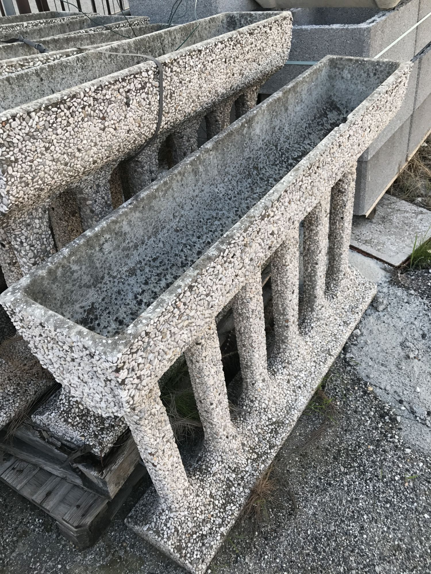 Fioriere Da Esterno In Cemento fioriere in cemento da esterno-edilizia marchetti-ferrara