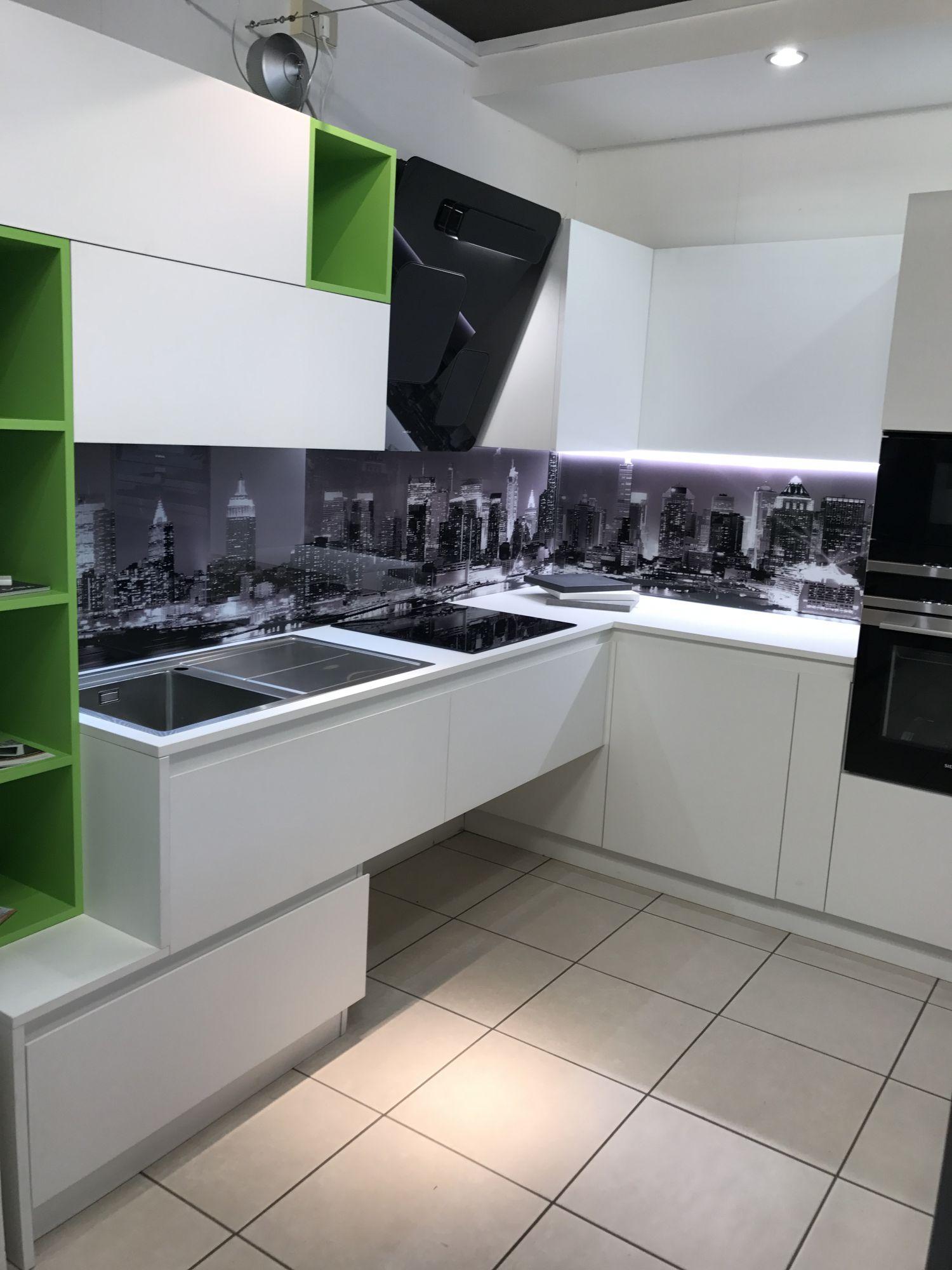 Home cucine il globo lido degli estensi comacchio for Globo arredamenti