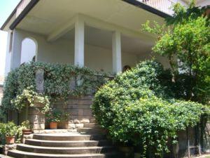 Affascinante villa singola anni '50 con giardino – Treviso – Agenzia Casadolcecasa