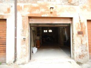 GARAGE IN VENDITA A FERRARA, ZONA CORSO PORTA RENO – AGENZIA PROGETTO CASA tel. 0532212018