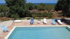 Villa con piscina in Puglia (zona Ostuni) – 500 € – Brindisi – Carovigno – Poggio Ulivi e Mare