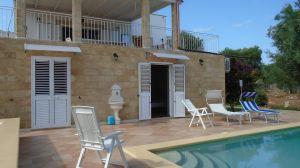 Affitto-Villa con Piscina in Puglia – zona Ostuni-PRENOTA PRIMA