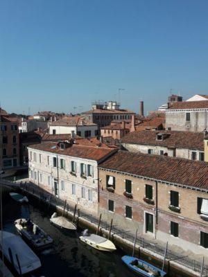 Appartamento primo piano luminoso – Venezia – Abitare sas