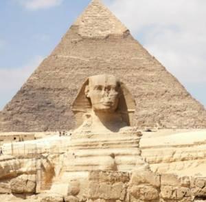 """L'agenzia di escursioni  """" Il Tuo Viaggio A sharm """" Propone l'escursione al cairo in aereo o in Bus"""