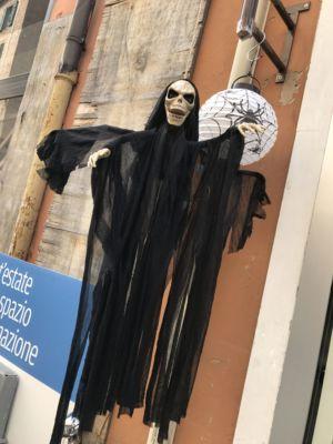 oggetti e accessori per halloween-uno due tre Euro-ferrara