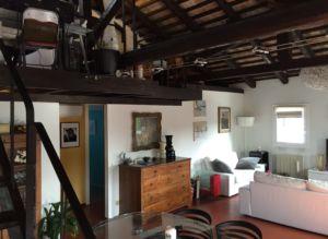 Super appartamento con travi originali del 1700 in vendita centro Carità – Treviso – Agenzia Casadolcecasa
