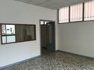 Ufficio multiplo fronte mura con due posti auto a Treviso – Conegliano, Montebelluna, Paese – Agenzia Casadolcecasa