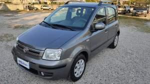 FIAT PANDA 1.2 DYNAMIC  euro 5.200, km 90.000, gomme est. quasi nuove (5 mm), fendinebbia, c.centr. con telecomando, chiavi doppie, vetri elettr. ant